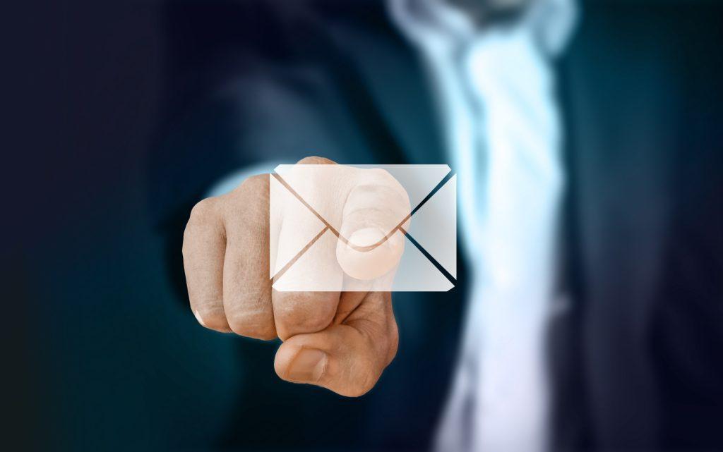 Senden Sie eine Mail an die Gebäudereinigung Rehme in Dettenheim